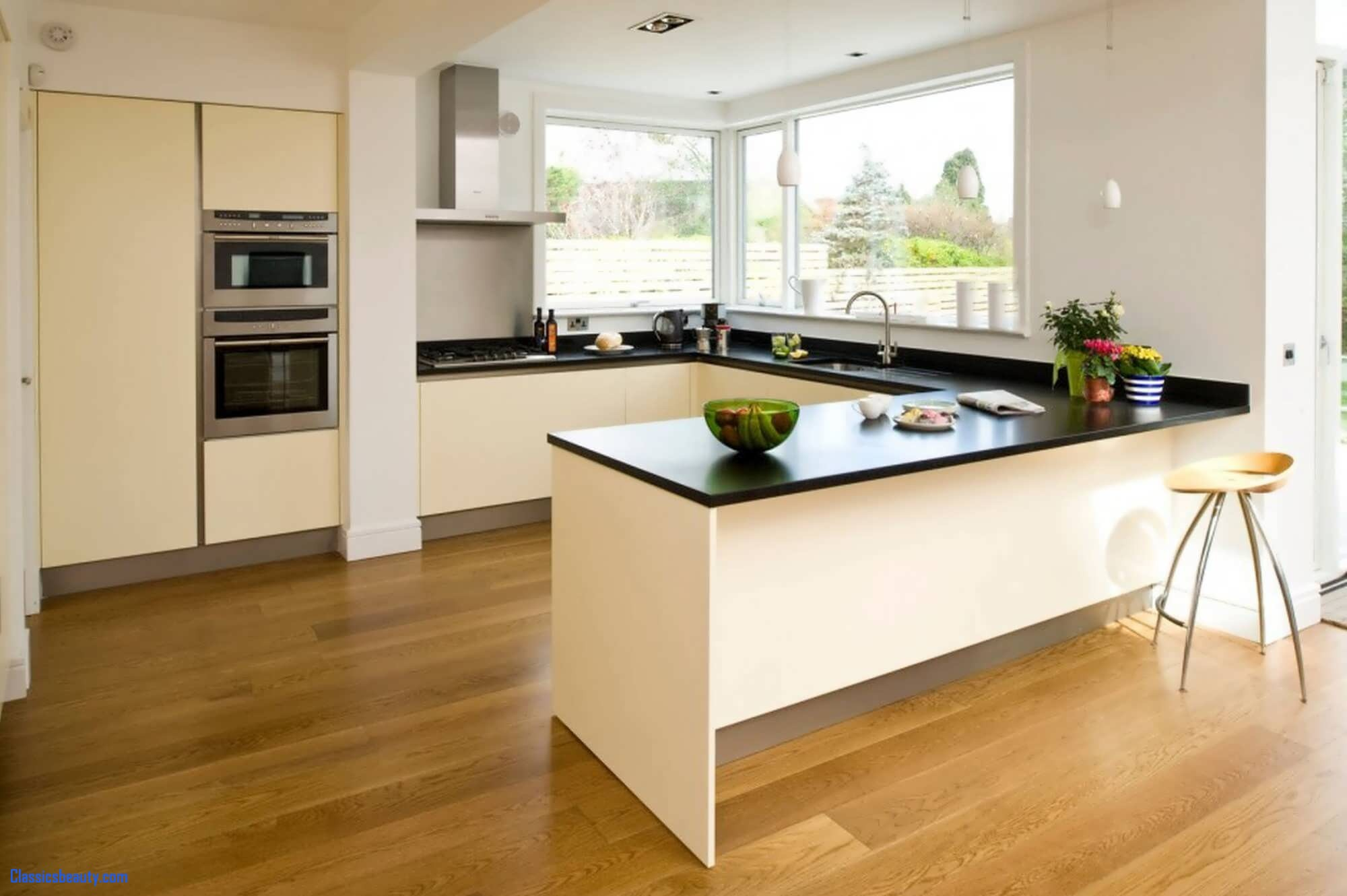 How Kitchen Remodelling Can Enhance Your Kitchen's Look
