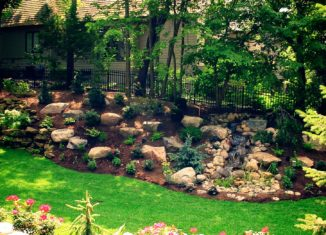 Tips For Artificial Grass With Sand Infills and Lawn Care Advice For The Keen Landscape Gardener