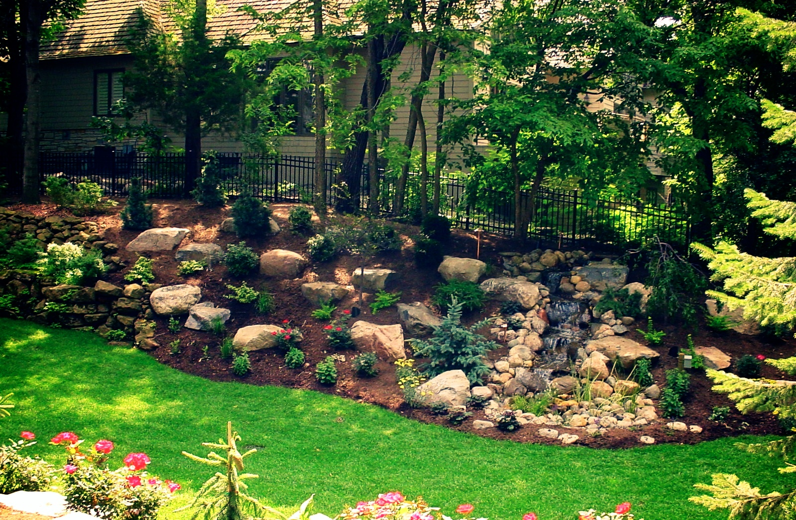 Ideas For Synthetic Grass With Sand Infills and Garden Care Recommendation For The Eager Panorama Gardener