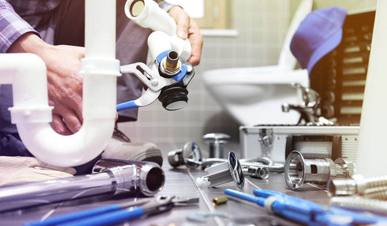 5 Real Reasons Why You Shouldn't Do Your Own Plumbing