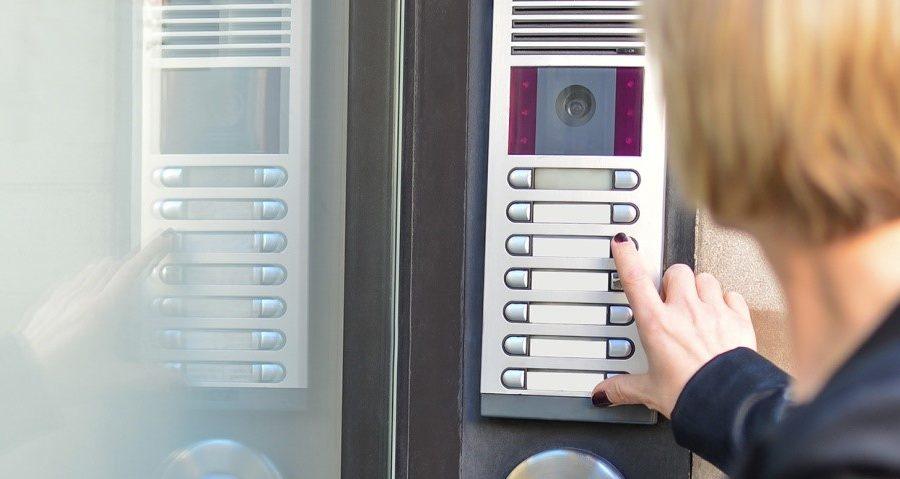 Choosing the best of intercoms-door-entry\