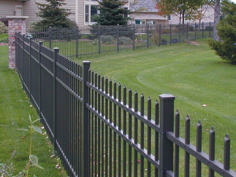 What are the different types of Fence Contractors?