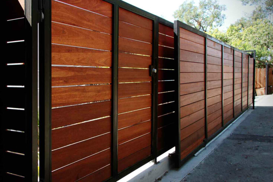5 Simple Steps To Make Your Rusted Iron Driveway Gates Look New