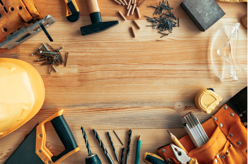 Reasons to hire the services of the handyman near you